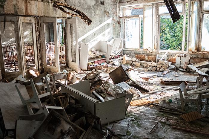 Demolishing abandoned houses does not reduce nearby crime, study finds |  The University of Kansas
